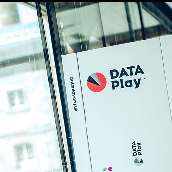 DATA Play 6